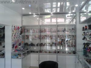 Торговое оборудование Краснодар.Обустройство магазина, стеклянные витрины с алюминиевым профилем
