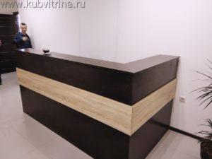Торговое оборудование Краснодар. Ресепшен углового типа, 2х1м., с накладкой другого цвета, материал: ЛДСП