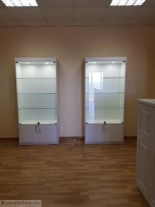 Мебель для салона красоты в Краснодаре. Торгово-выставочные витрины с подсветкой.