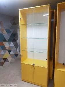 Торговые витрины в ярком цвете: материал - лдсп, стеклянные полки и дверцы с замочками, накопитель. Торговое оборудование в Краснодаре