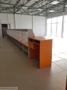 Торговое оборудование в Краснодаре. Прилавки в ярком цвете для реализации разного типа продукции