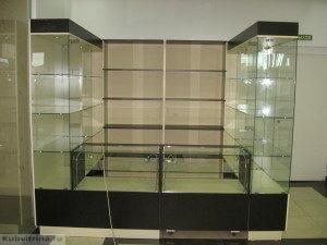 Торговое оборудование в Краснодаре. Торгово-выставочный павильон. собранный из стандартных прилавков и витрин.