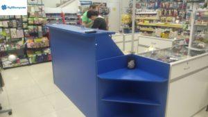 Ресепшен с выдвижными ящиками. Цвет: синий королевский.