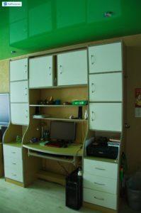А какую площадь занимает ваше рабочее место в квартире? На фото представлен: компьютерный стол с глубокими встроенными ящиками - лучшее решение для экономии пространства и комфортной работы. Заказ выполнен из ЛДСП, гармоничное сочетание нейтральных нежных оттенков гармонично вписывается в любой интерьер.